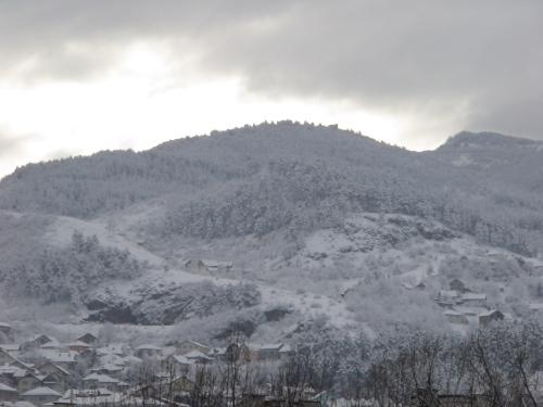 snowy-hills-002
